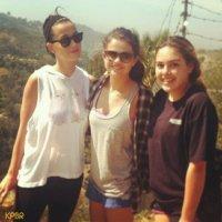 Amigas: Katy Perry e Selena Gomez fazem caminhada juntas