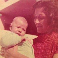 Sônia Abrão homenageia o primo Chorão, que faria 43 anos nesta terça-feira
