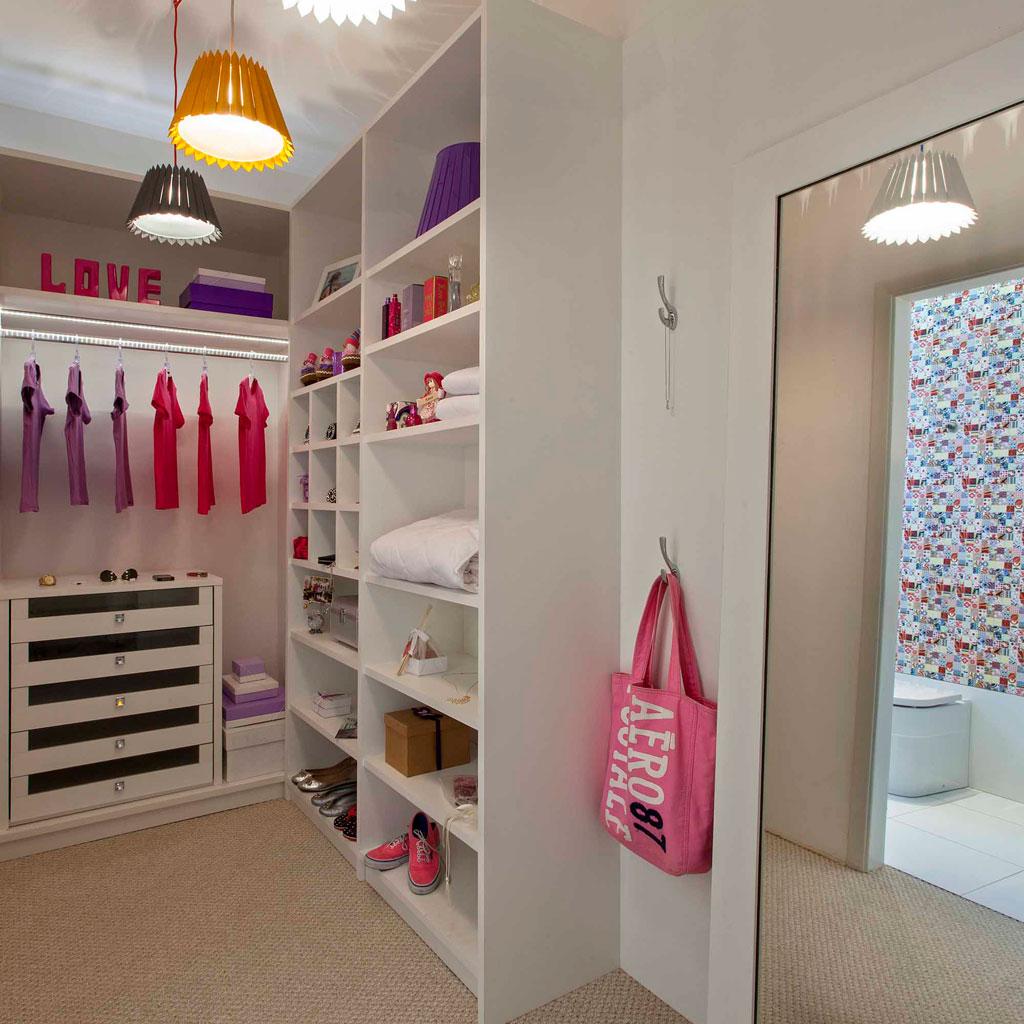 Closet projetado para uma adolescente