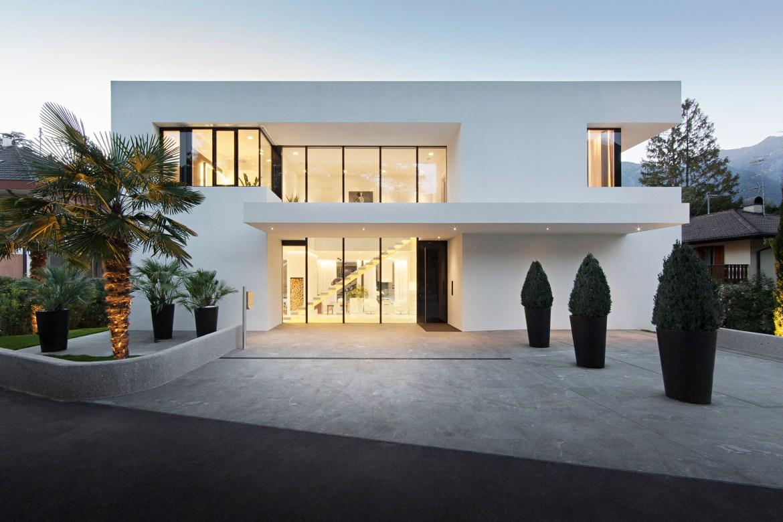 Casa M, localizada em Merano, Itália