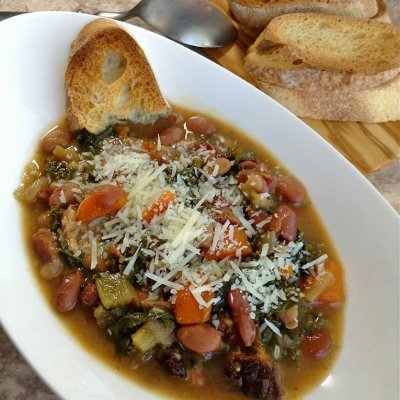 Crockpot Ham Bean and Kale Soup