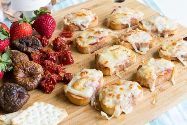 Take a mental stroll through the French countryside when you taste this Croque Monsieur Tartine recipe. Pair with your favorite French wine for a relaxing evening with friends.