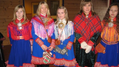 Sami girls in Sami costumes