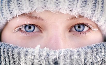 960_SUPx-beautifu-eyes-and-frozen-eyelashes