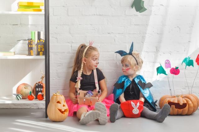 ハロウィン仮装する子供