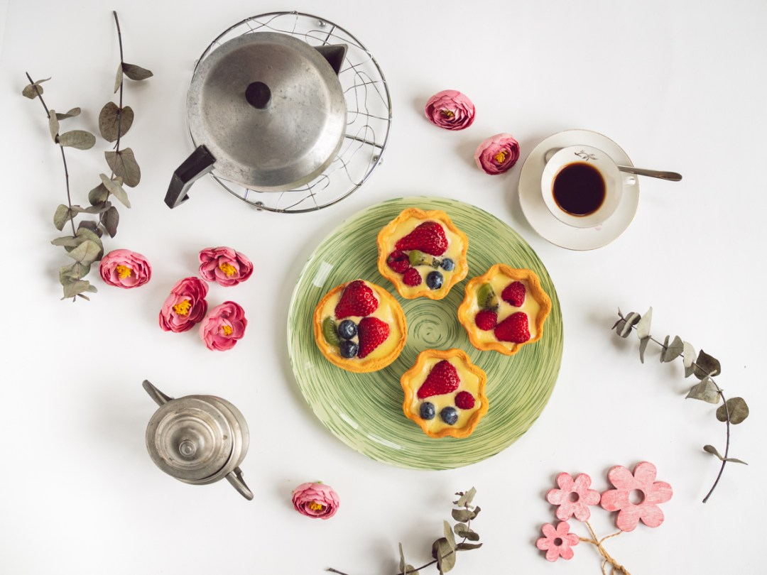 food photography: tarts flat lay