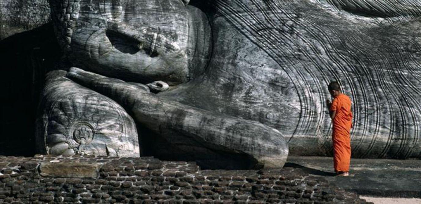 Bouddha couché, temple de Gal Vihara, photographie de Frédéric Soreau