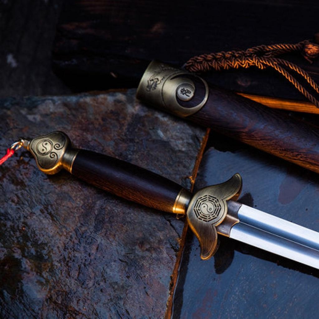 L'épée Shenfeng