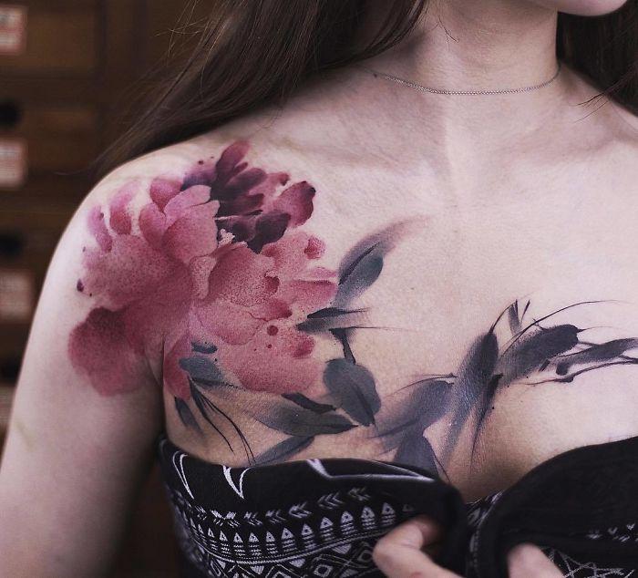 Tatouage floral de Chen Jie