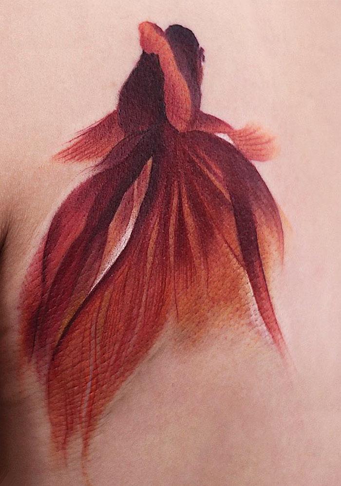 Tatouage pisciforme de Chen Jie