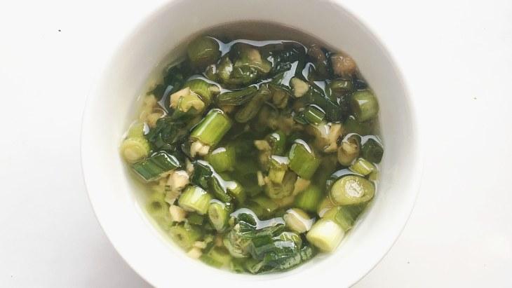 Sauce au gingembre et aux oignons verts, photographie d'Alyse Whitney