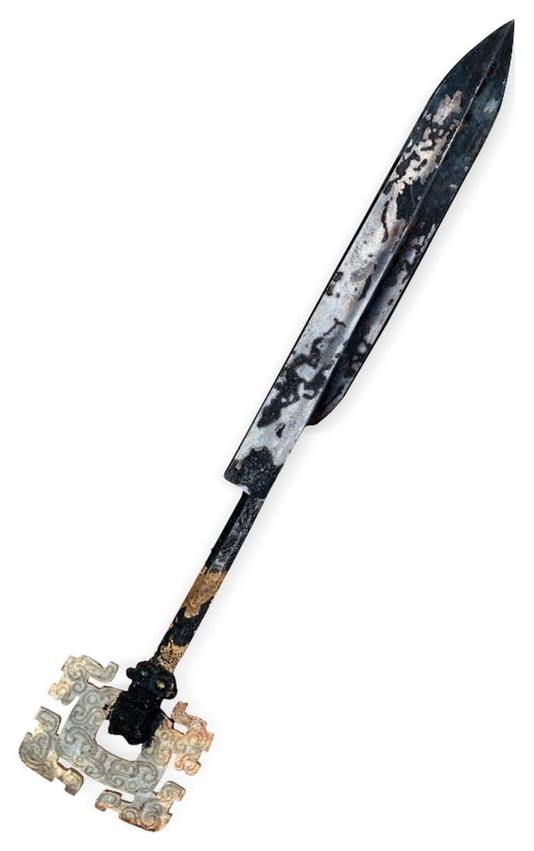 Couteau en bronze et jade, tombe du marquis Yi de Zeng, Zhou orientaux, Royaumes combattants