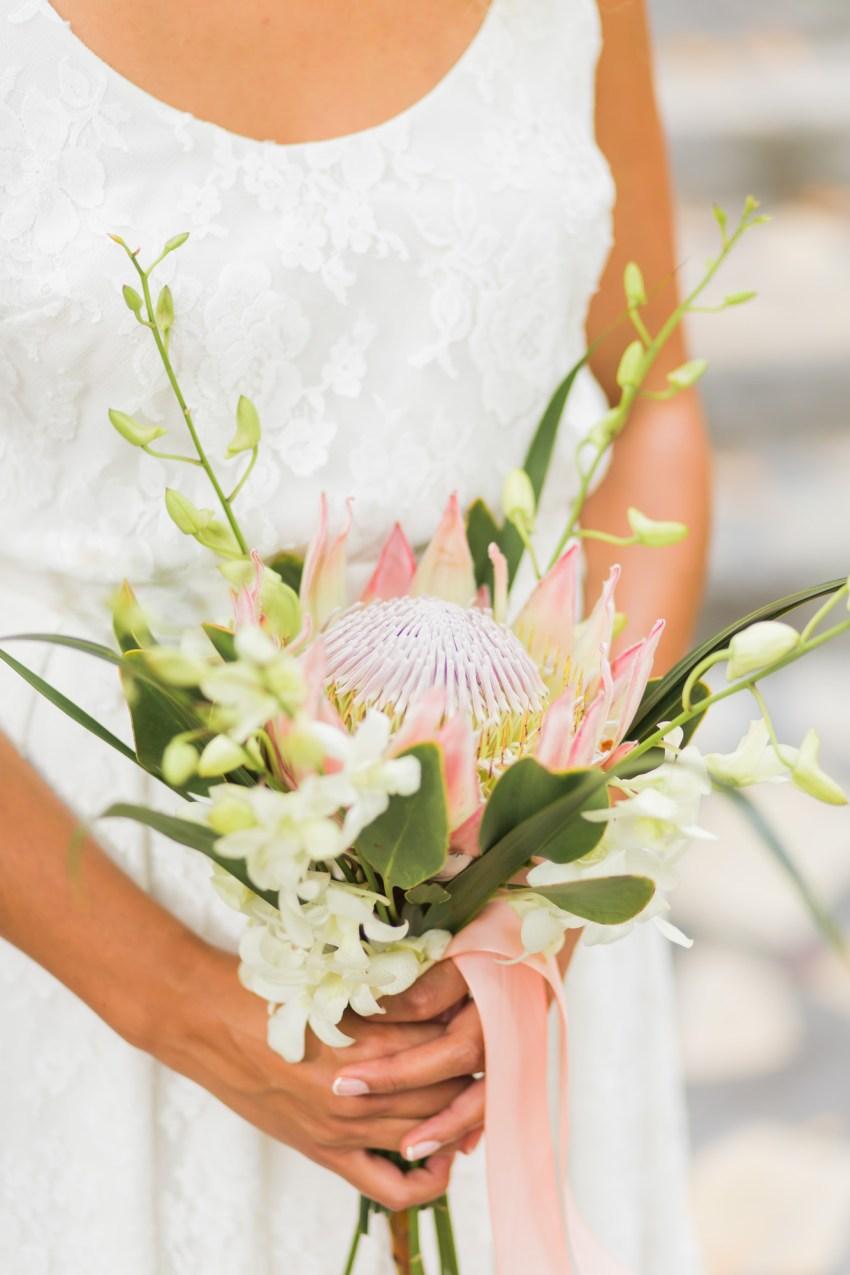 Bouquet de mariée thème tropcial à la réunion par Fleur enchantée