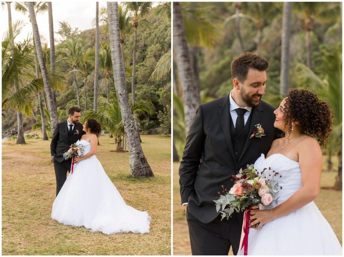 Photo de couple lors de leur mariage sur la plage de grande anse