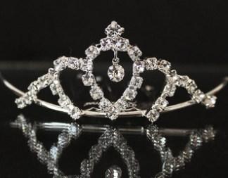 tiara comb