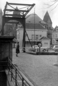Graanmarkt 1950 met ophaalbrug