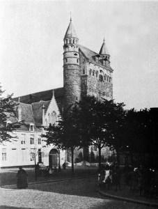 O.L. Vrouweplein 1895