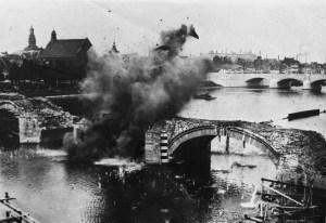 St. Servaasbrug  restauratie 1932