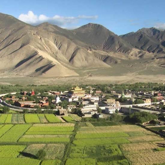 Tsetang township Ganden Samye Trek