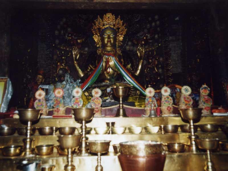 Shalu-main-hall