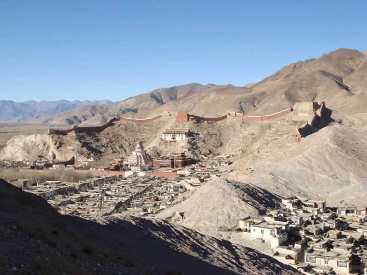 gyantse pelkhor monastery