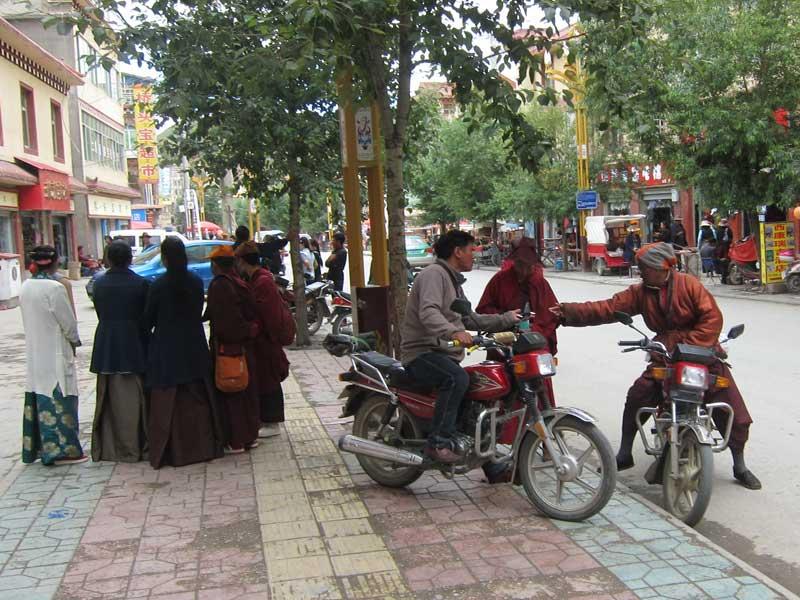 garze county local tibetan