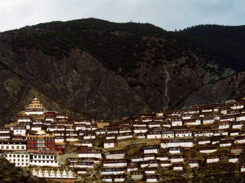 pelyul-monastery