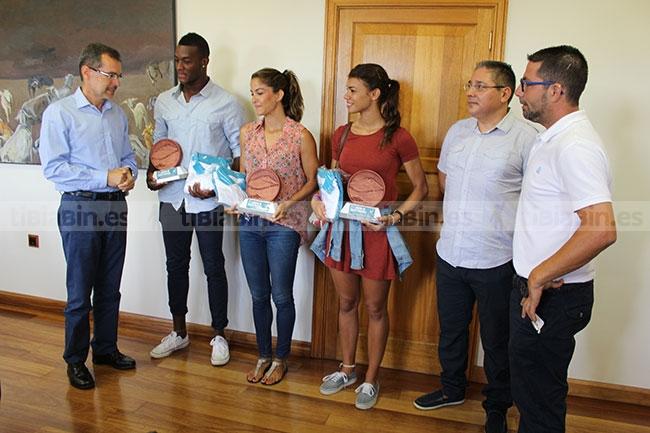 El Cabildo felicita a los atletas Yanira Soto, Darwin Echeverry y Paola Sarabia por los logros obtenidos en competiciones