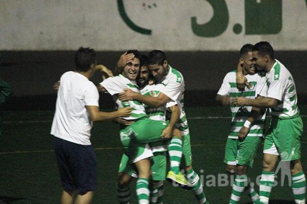 """El """"Villa"""" se llevó la Copa en un partido trepidante"""