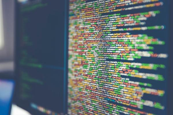 Hoeveel organisaties gebruiken nu echt 'zelflerende algoritmen'?
