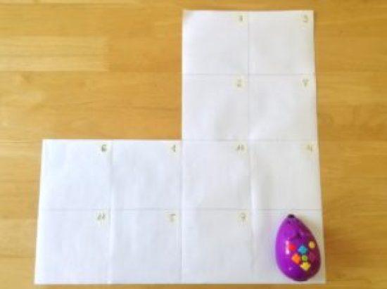 Tapiz de papel en blanco con forma de codo