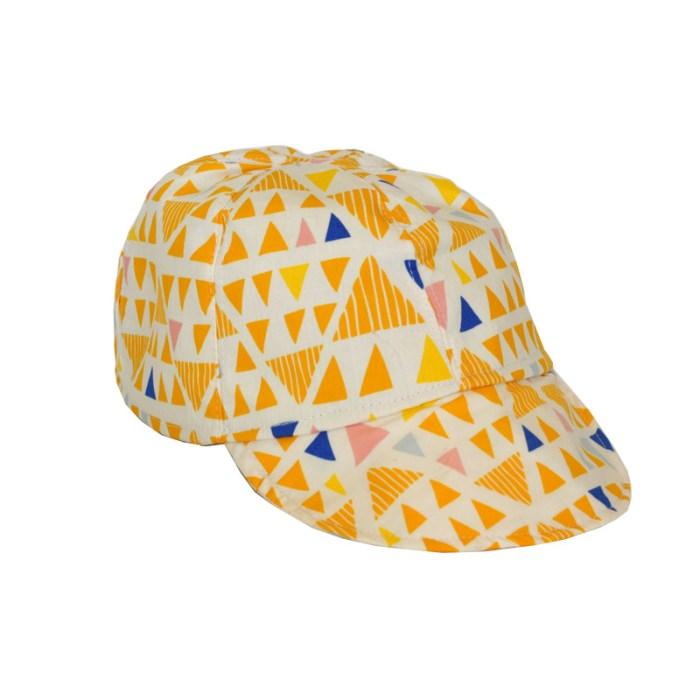 Gorra con visera ideal para proteger del sol a los niños aba99655bbf