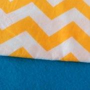 Combinación Azul con zigzag grande en amarillo y blanco