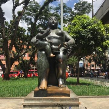 Maternidad 1995 Una de las esculturas más populares