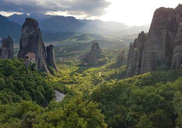 Hiking in Meteora (Πεζοπορία στα Μετέωρα) Ticketseller
