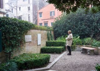 Peggy Guggenheim and Its Dogs' Grave
