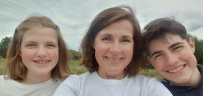 Hannah Smith with her 2 children