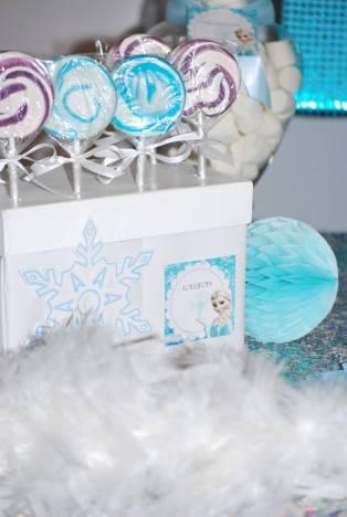 Frozen Party table lollipops