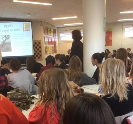 Mobilisation des élèves de première du lycée saint charles à Chalon