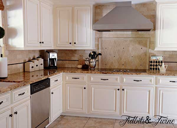How to update 80 s oak kitchen cabinets - Builder grade oak kitchen cabinets ...