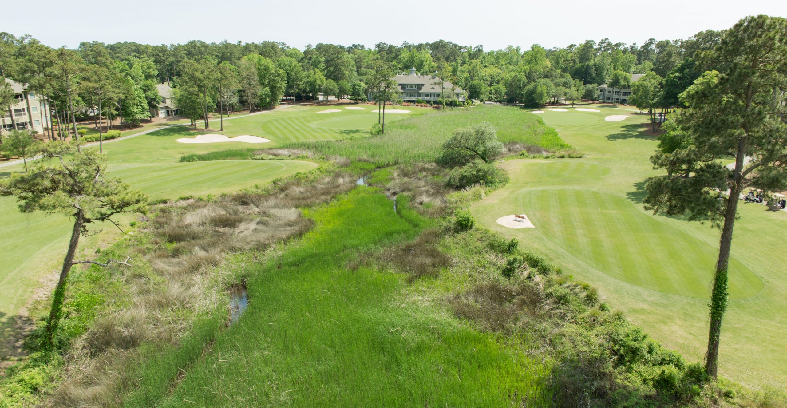 Tidewater - No 9 on right No 18 on left with Clubhouse