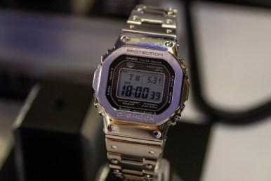 Casio G-Shock GMWB5000D-1 i metall.