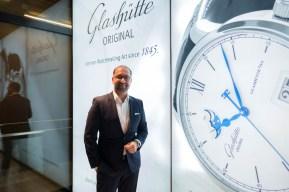 Merdal Güler, Brand Manager i Glashütte Original. Foto: André Skjelin Ottosen (@skjelinwatches).