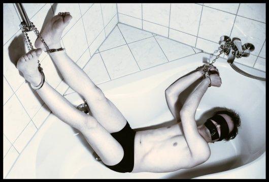 bathtub_captive_by_bondage_artist-d3bl0nl