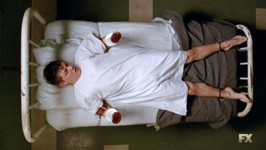 Evan Peters (AHS Freakshow s4 e11) 1