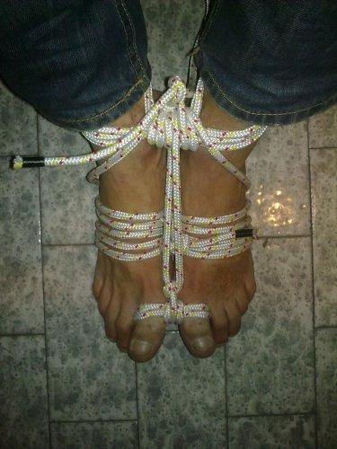 feet-rope-08