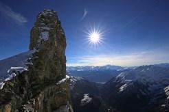 Tour Saint Martin / Quille du Diable, im Hintergrund die Walliser Alpen