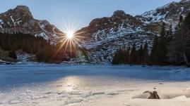 Die Sonne zeigt sich im Dezember für wenige Minuten am Leiternpass