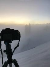 Kompakte Kamera auf kompaktem Stativ