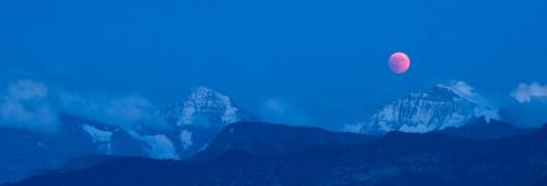 Eiger, Mönch & Jungfrau mit Blutmond
